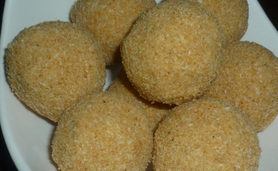 Ariyunda(Rice Balls)