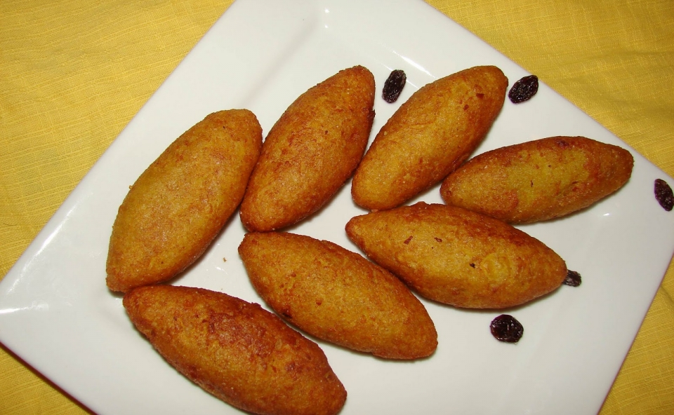 Unnakaya or Stuffed Plantain Fry
