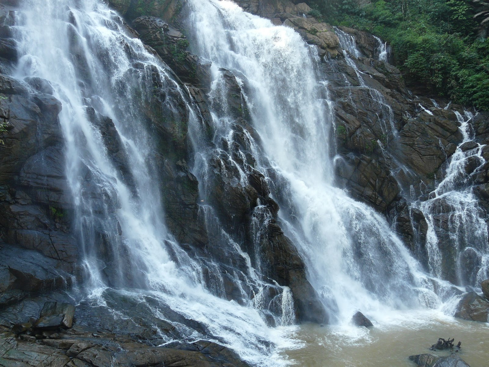 Meenmutty Waterfalls, Kalpetta Kalpetta Wayanad